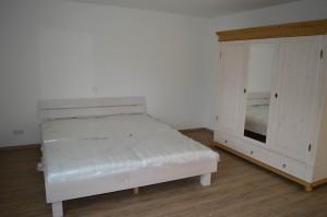 Schlafzimmer 1 - Doppelbett in Überlänge
