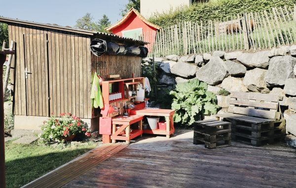 Unser Garten lädt zum Spielen, Träumen, Ausruhen,… ein